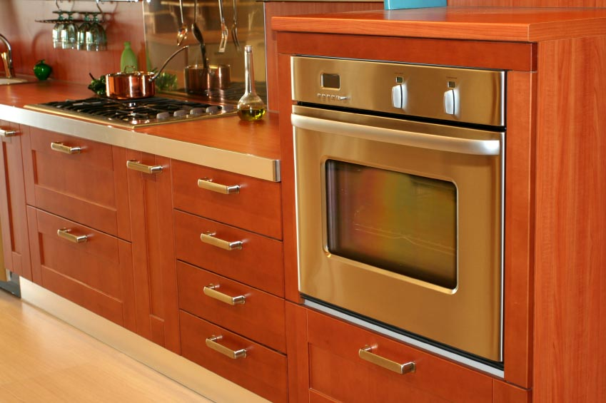 Standing the test of time wood cheap kitchen cabinets for Inexpensive wood kitchen cabinets