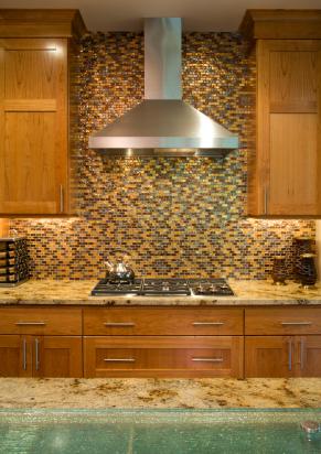 Choosing beautiful kitchen backsplash tiles