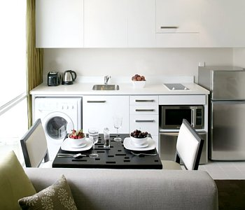 how to create a functional kitchenette for small spaces. Black Bedroom Furniture Sets. Home Design Ideas