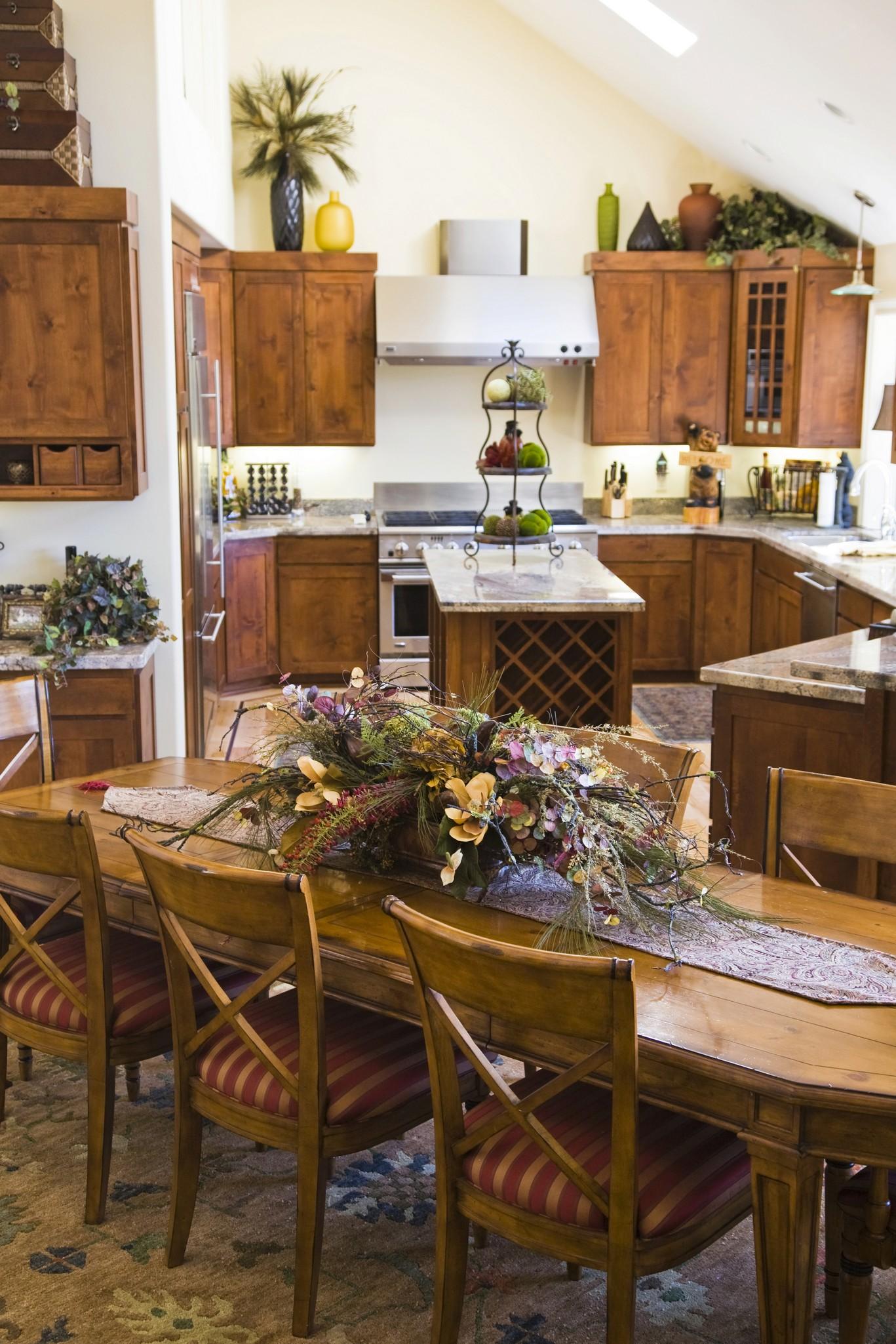 Kitchen styles stock cabinet express - Como decorar una cocina rustica ...