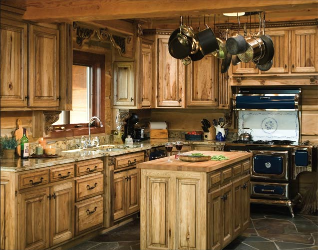 4 typical traits every rustically themed kitchen should have for Kitchen cabinets express
