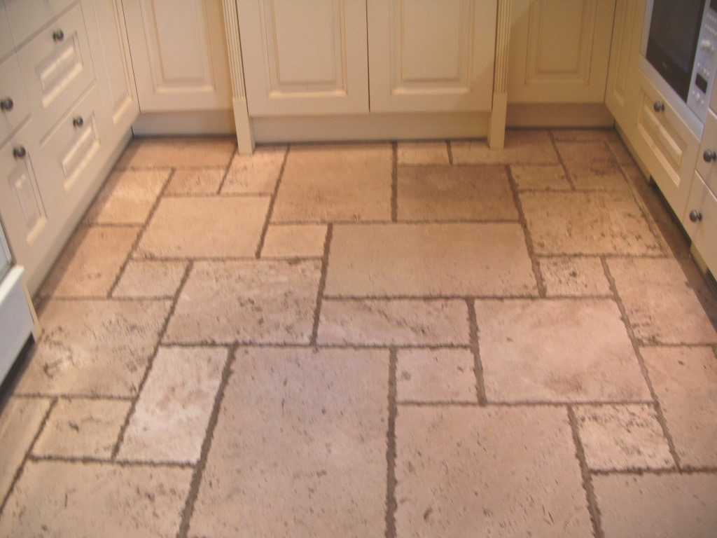 Bathroom floor tile cleaner