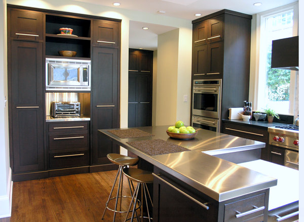 Stainless steel countertops will help create a professional-style kitchen. | Photo Source: Decoist