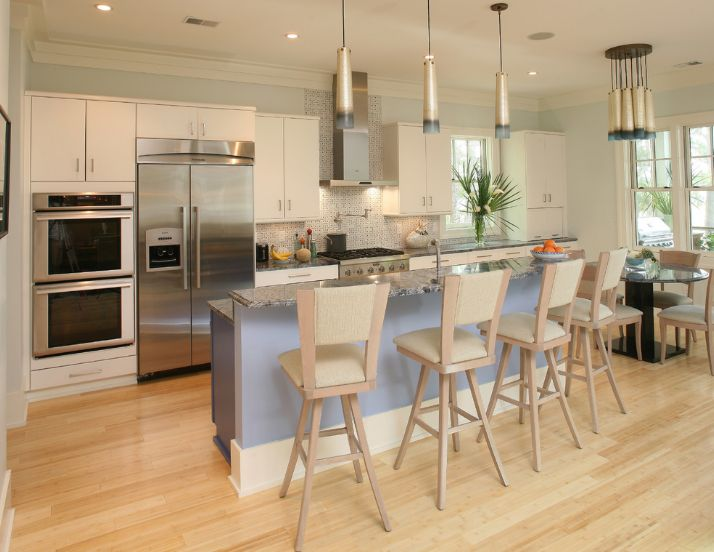 Kitchen with light-colored bamboo flooring | Photo Source: homedit.com