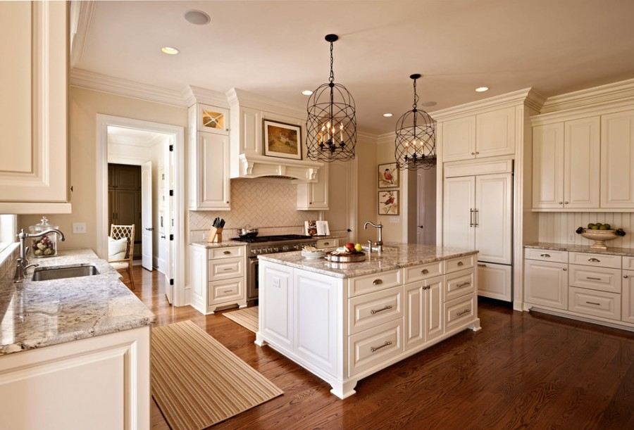 Traditional Kitchen White Cabinets